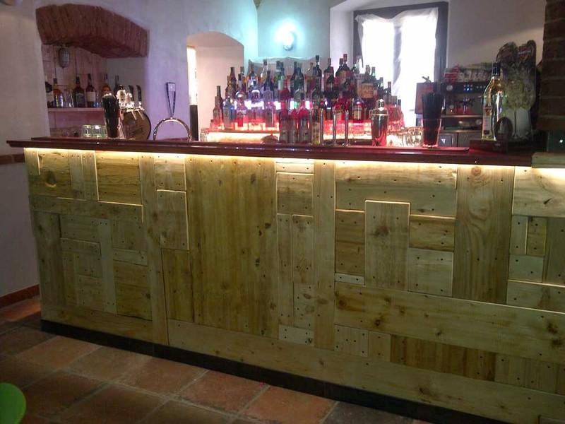 Arredamento bar vintage yz39 regardsdefemmes for Arredamento usato bar