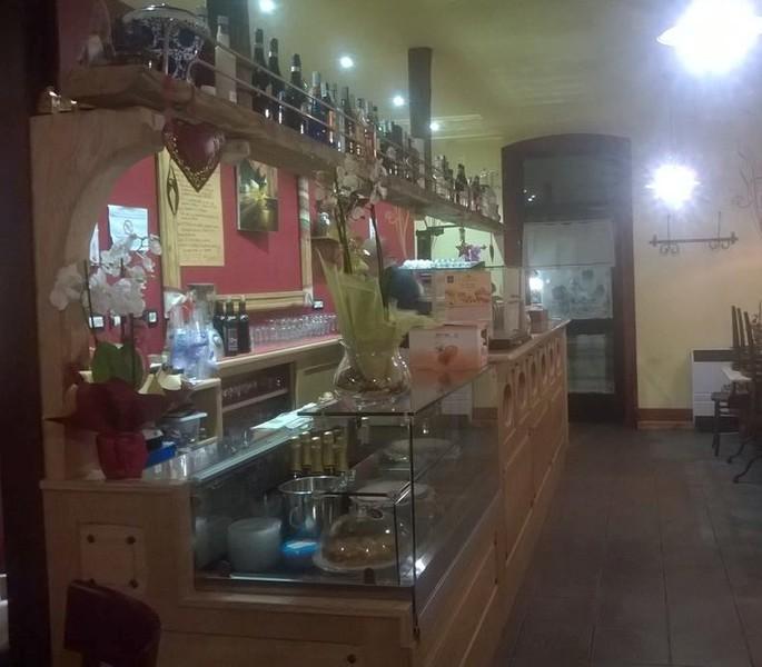 Arredo shop olivero tecnologia design arredo bar for Occasioni arredamento