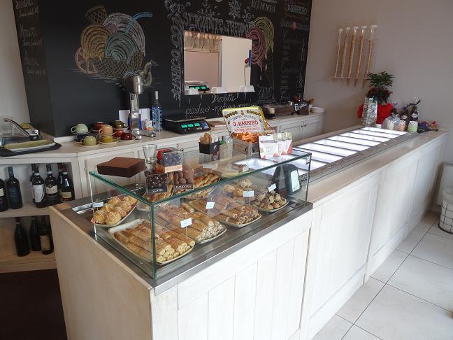 Arredo panetteria gastronomia macelleria bar for Arredo bar dwg