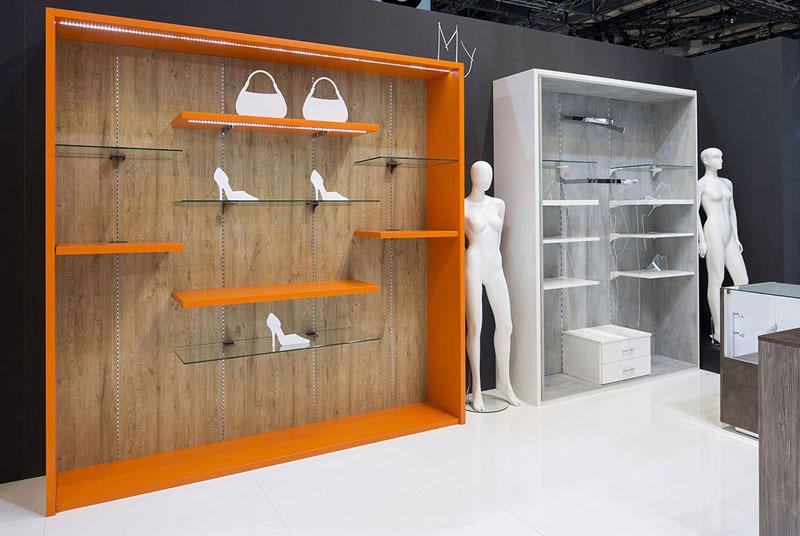 Arredamento negozio abbigliamento negozio borse scarpe for Negozi arredamento